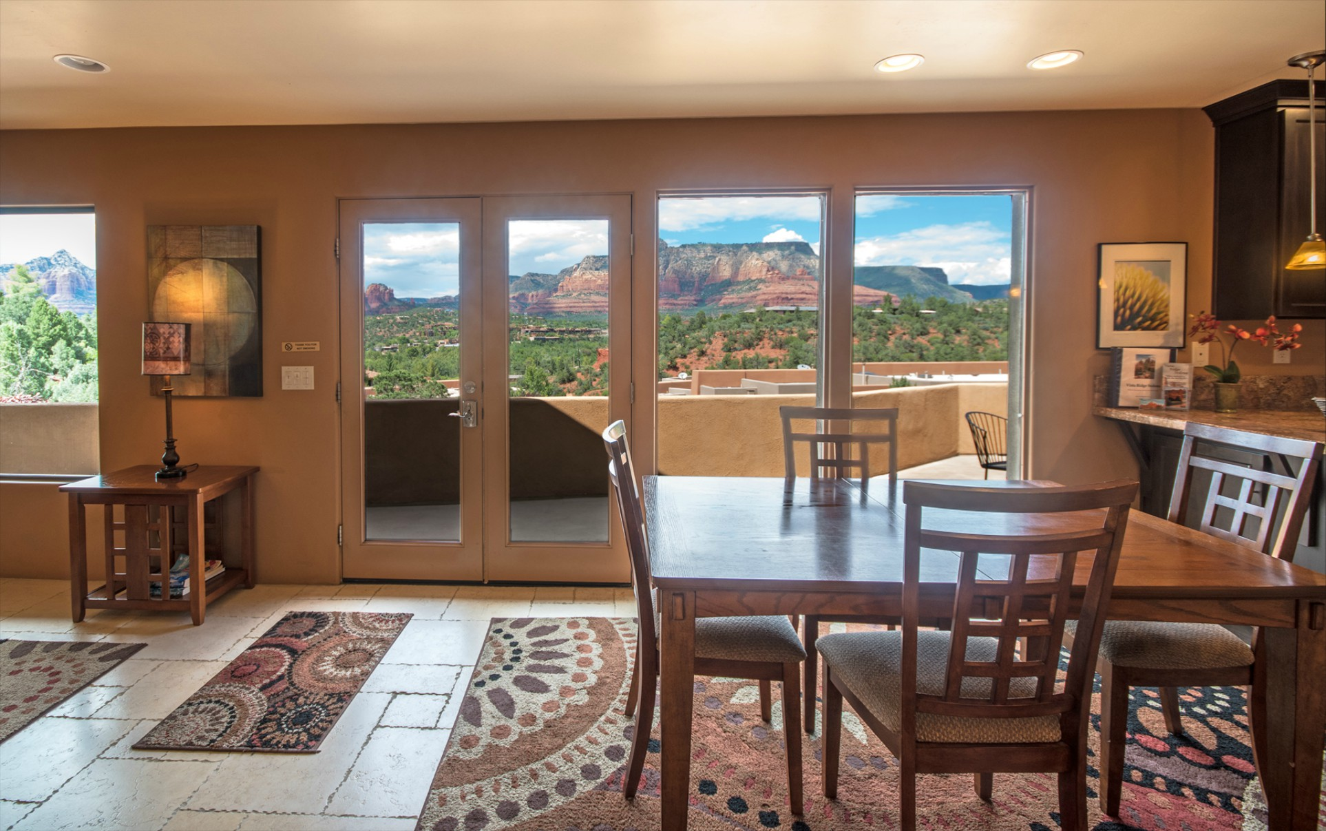 Vista Ridge Sunset Suite - Interior Entrance