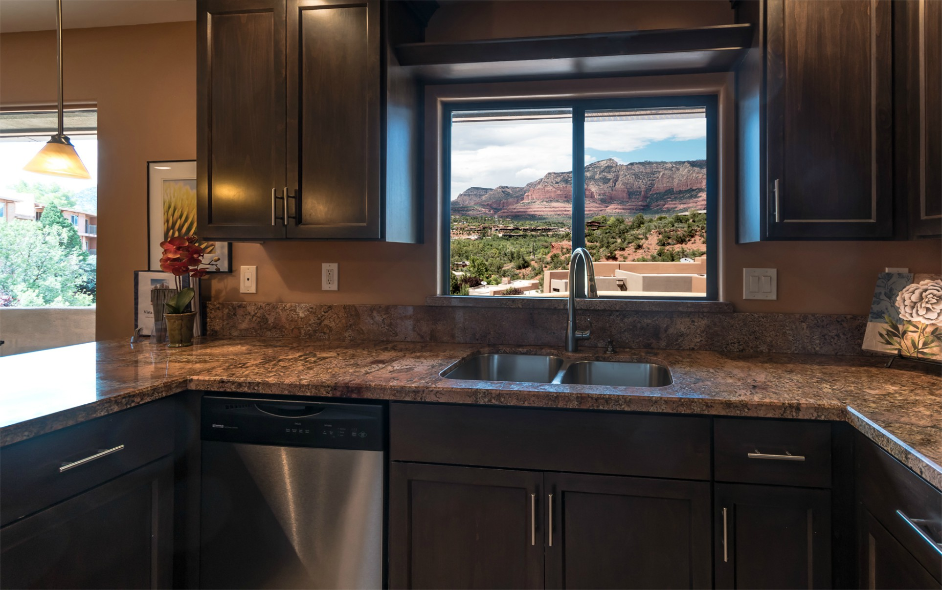 Vista Ridge Sunset Suite - Kitchen